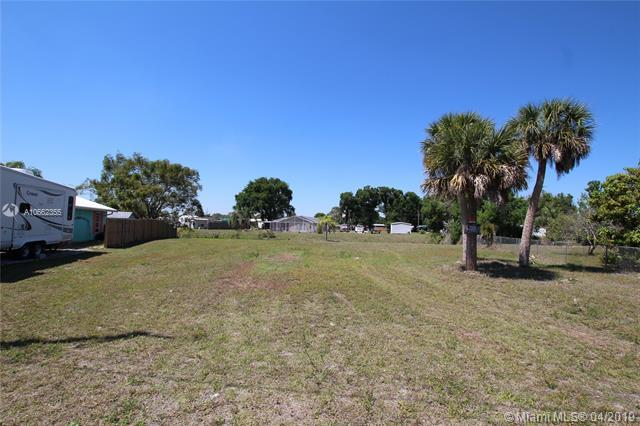 1190 Lisa Lane, Other City - In The State Of Florida, FL 34974 (MLS #A10662355) :: Grove Properties