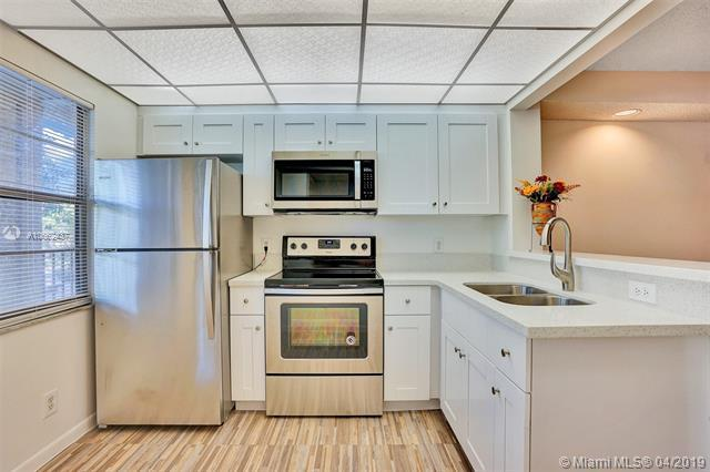 1351 SW 125th Ave 210S, Pembroke Pines, FL 33027 (MLS #A10662437) :: United Realty Group