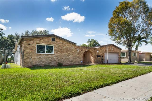 5007 SW 89th Ave, Cooper City, FL 33328 (MLS #A10662549) :: United Realty Group