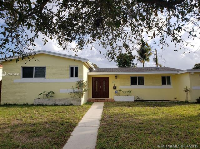 1022 NE 179th Ter, North Miami Beach, FL 33162 (MLS #A10662613) :: The Paiz Group