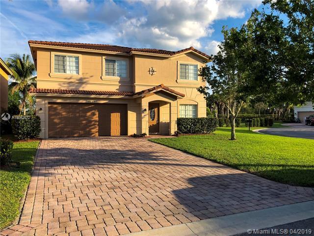 5687 SE Graham Drive, Stuart, FL 34997 (MLS #A10662672) :: RE/MAX Presidential Real Estate Group