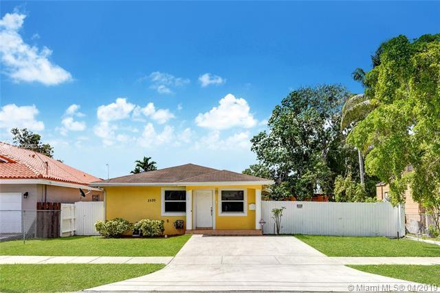 3520 SW 13th St, Miami, FL 33145 (MLS #A10662810) :: EWM Realty International