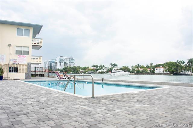 6484 Ind.Creek Dr #218, Miami Beach, FL 33141 (MLS #A10662848) :: Green Realty Properties