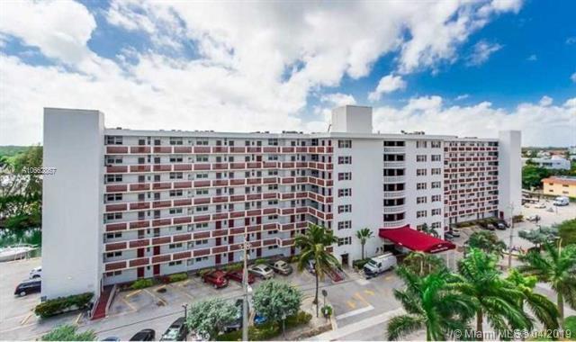 3660 NE 166th St #606, North Miami Beach, FL 33160 (MLS #A10662867) :: Green Realty Properties