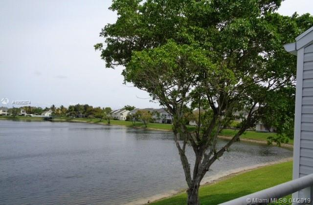 3425 NW 44th St #208, Oakland Park, FL 33309 (MLS #A10662874) :: The Paiz Group
