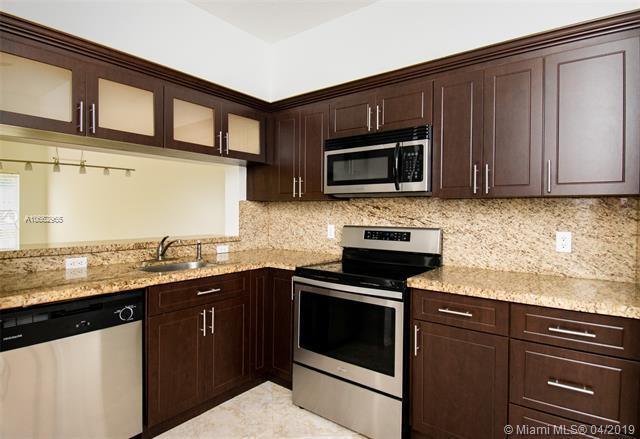 68 Simonton Cir #68, Weston, FL 33326 (MLS #A10662965) :: Miami Villa Group