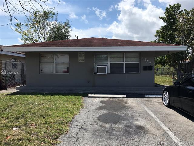 1227 NW 5th Ave, Fort Lauderdale, FL 33311 (MLS #A10663215) :: RE/MAX Presidential Real Estate Group