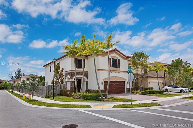 10012 NW 87th Ter, Doral, FL 33178 (MLS #A10663432) :: Grove Properties