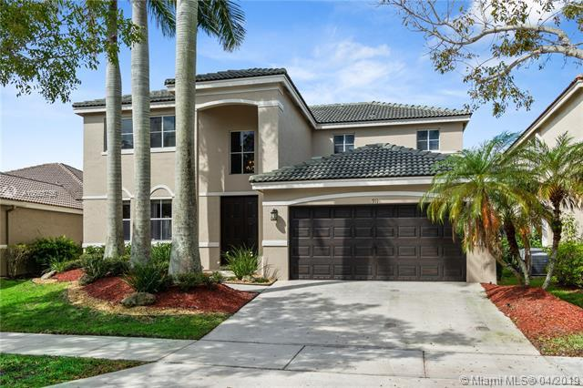 911 Sunflower Cir, Weston, FL 33327 (MLS #A10663755) :: The Teri Arbogast Team at Keller Williams Partners SW