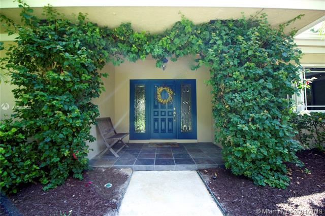 18457 SE Heritage Oaks Ln, Tequesta, FL 33469 (MLS #A10663930) :: Green Realty Properties