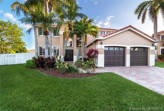 725 Heritage Way, Weston, FL 33326 (MLS #A10664067) :: RE/MAX Presidential Real Estate Group