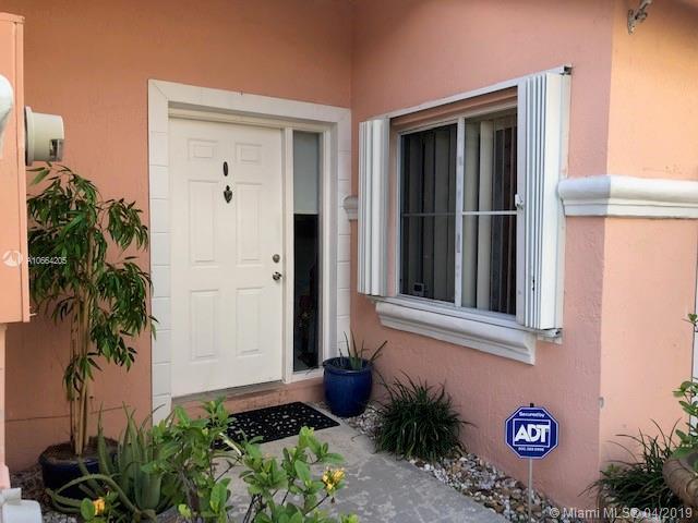 9810 SW 2nd St, Pembroke Pines, FL 33025 (MLS #A10664205) :: The Paiz Group