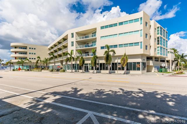 2301 Wilton Dr, Wilton Manors, FL 33305 (MLS #A10664417) :: The Brickell Scoop