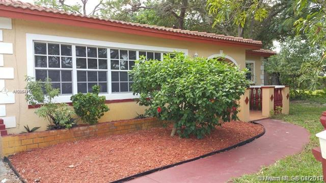 610 E Campus Cir, Fort Lauderdale, FL 33312 (MLS #A10664912) :: The Teri Arbogast Team at Keller Williams Partners SW