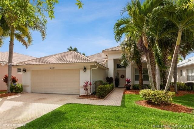 9331 Heron Cove Dr, West Palm Beach, FL 32837 (MLS #A10664924) :: The Paiz Group