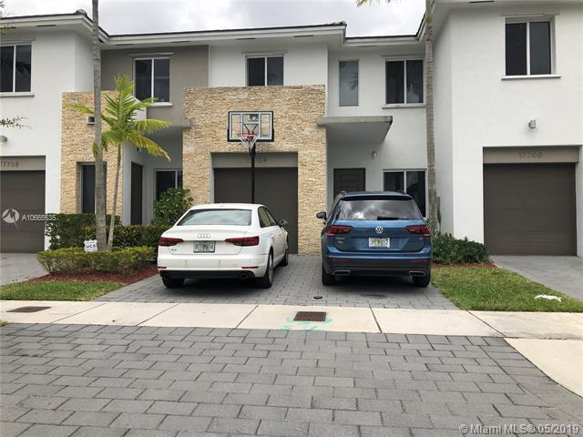 17704 SW 149th Pl #1, Kendall, FL 33187 (MLS #A10665535) :: The Kurz Team