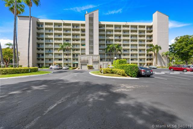 2205 S Cypress Bend Dr #802, Pompano Beach, FL 33069 (MLS #A10665597) :: The Paiz Group
