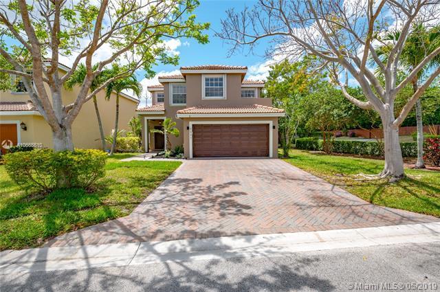 7097 Crescent Creek Ln, Coconut Creek, FL 33073 (MLS #A10665610) :: Berkshire Hathaway HomeServices EWM Realty