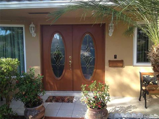 5423 S Garfield St, Hollywood, FL 33021 (MLS #A10665695) :: Green Realty Properties