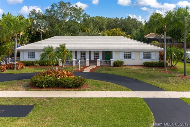 7761 SW 176th St, Palmetto Bay, FL 33157 (MLS #A10665936) :: RE/MAX Presidential Real Estate Group