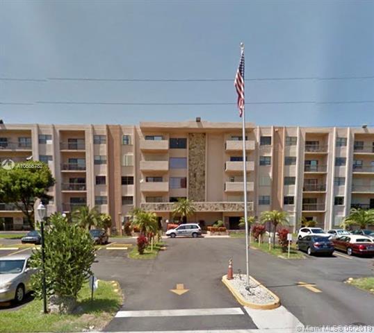 1301 NE 7th St #116, Hallandale, FL 33009 (MLS #A10666782) :: Berkshire Hathaway HomeServices EWM Realty