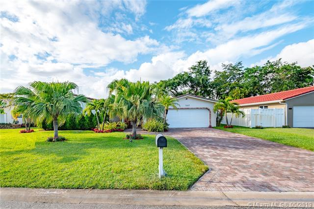 8755 NW 18th Ct, Coral Springs, FL 33071 (MLS #A10666791) :: Green Realty Properties