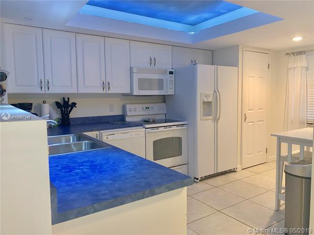 2900 N Course Dr #607, Pompano Beach, FL 33069 (MLS #A10667149) :: The Riley Smith Group