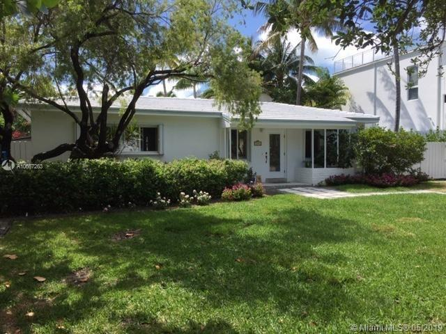 442 Warren Ln, Key Biscayne, FL 33149 (MLS #A10667263) :: Ray De Leon with One Sotheby's International Realty