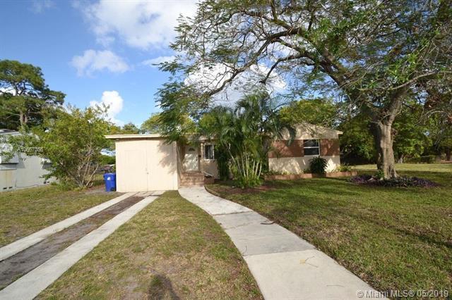 200 Carolina Ave, Fort Lauderdale, FL 33312 (MLS #A10667356) :: The Teri Arbogast Team at Keller Williams Partners SW