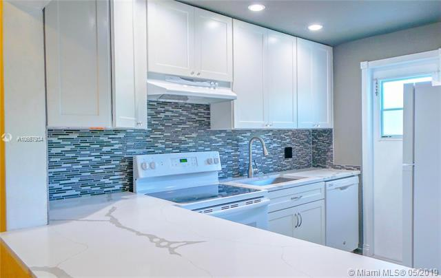 1951 NE 39th St #241, Lighthouse Point, FL 33064 (MLS #A10667934) :: The Brickell Scoop