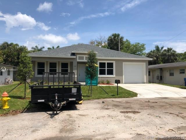 305 NW 32nd St, Oakland Park, FL 33309 (MLS #A10668001) :: The Riley Smith Group