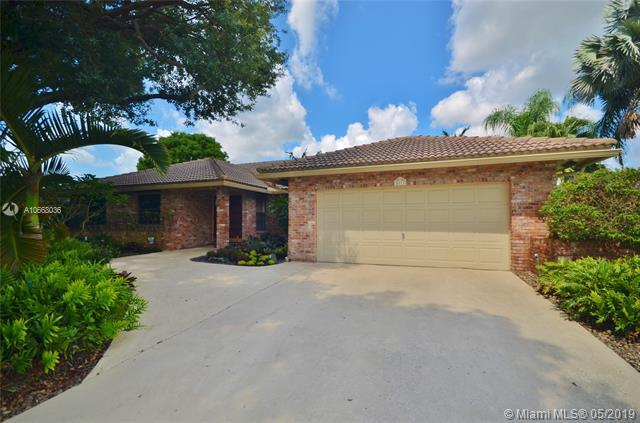 1011 NW 97th Ave, Plantation, FL 33322 (MLS #A10668036) :: Green Realty Properties