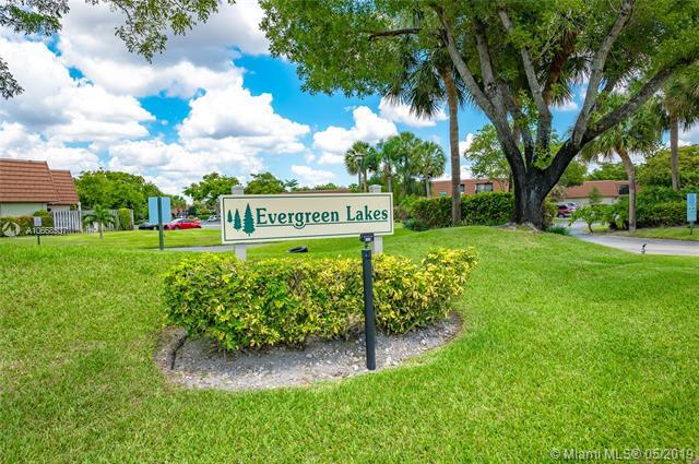 4807 NW 95th Ave, Sunrise, FL 33351 (MLS #A10668537) :: Castelli Real Estate Services
