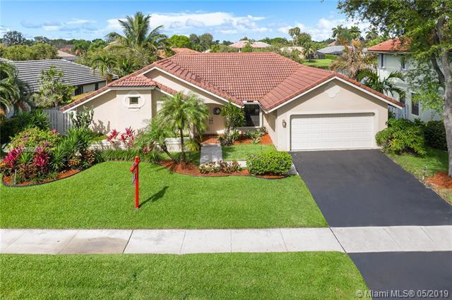 841 Altavista Ter, Davie, FL 33325 (MLS #A10668618) :: Green Realty Properties