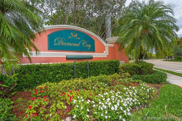 4292 Diamond Ter, Weston, FL 33331 (MLS #A10668627) :: Green Realty Properties