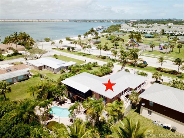 1807 Melaleuca Dr, Hutchinson Island, FL 34949 (MLS #A10668714) :: Berkshire Hathaway HomeServices EWM Realty