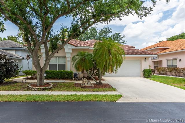 7737 Highlands Cir, Margate, FL 33063 (MLS #A10669418) :: RE/MAX Presidential Real Estate Group