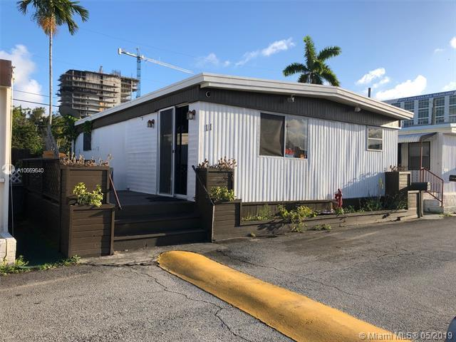 11 Palm Ave, Hallandale, FL 33009 (MLS #A10669640) :: RE/MAX Presidential Real Estate Group