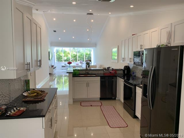 22675 Meridiana Dr, Boca Raton, FL 33433 (MLS #A10669690) :: RE/MAX Presidential Real Estate Group