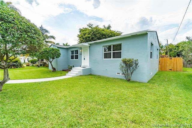 1431 Fletcher St, Hollywood, FL 33020 (MLS #A10669725) :: Grove Properties