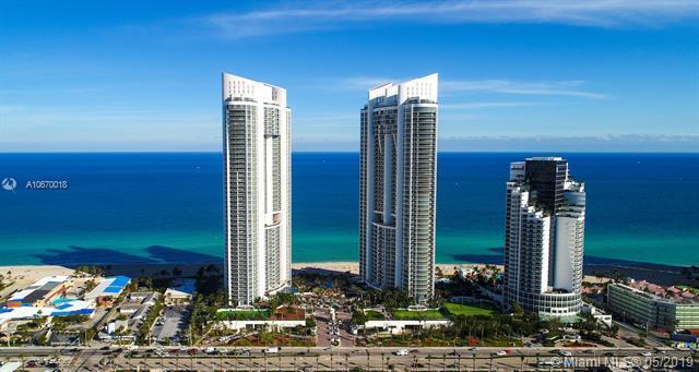 18201 Collins Ave #4202, Sunny Isles Beach, FL 33160 (MLS #A10670018) :: Berkshire Hathaway HomeServices EWM Realty