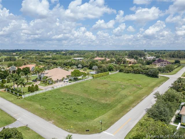 16825 Berkshire Ct, Southwest Ranches, FL 33331 (MLS #A10670143) :: RE/MAX Presidential Real Estate Group