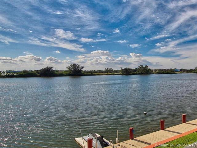 1100 Crystal Lake Dr #202, Deerfield Beach, FL 33064 (MLS #A10670381) :: The Paiz Group