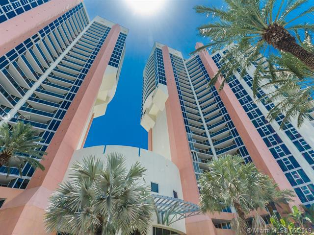19333 Collins Ave #2606, Sunny Isles Beach, FL 33160 (MLS #A10670553) :: Grove Properties