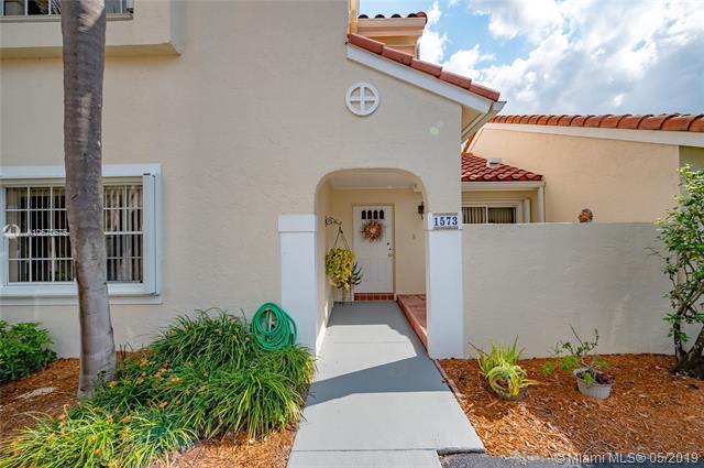 1573 Springside Dr #1573, Weston, FL 33326 (MLS #A10670675) :: Green Realty Properties