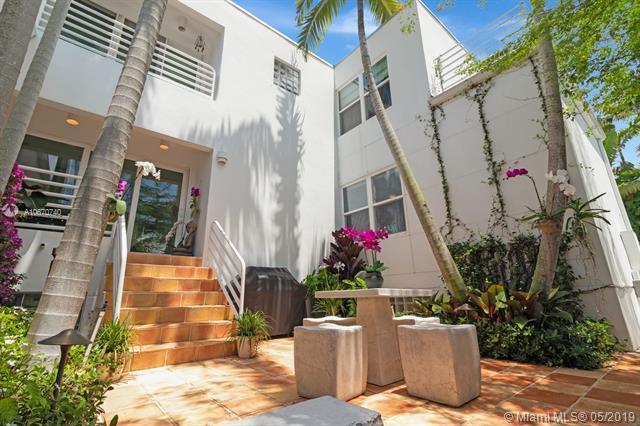 1880 S Bayshore Dr, Coconut Grove, FL 33133 (MLS #A10670740) :: EWM Realty International