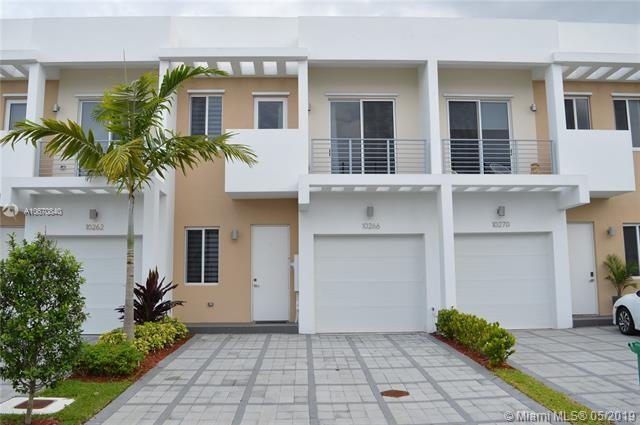 10266 NW 72nd Ter #10266, Doral, FL 33178 (MLS #A10670840) :: The Riley Smith Group