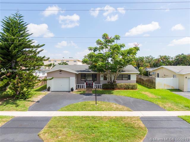 4201 Thomas St, Hollywood, FL 33021 (MLS #A10670895) :: Green Realty Properties