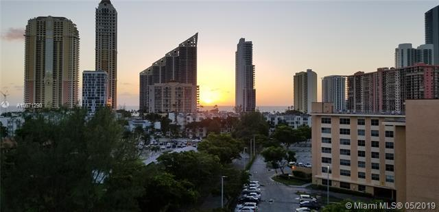 17600 N Bay Rd N906, Sunny Isles Beach, FL 33160 (MLS #A10671290) :: Ray De Leon with One Sotheby's International Realty