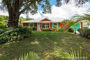 966 SW 19th Pl Sw, Vero Beach, FL 32962 (MLS #A10671470) :: Ray De Leon with One Sotheby's International Realty